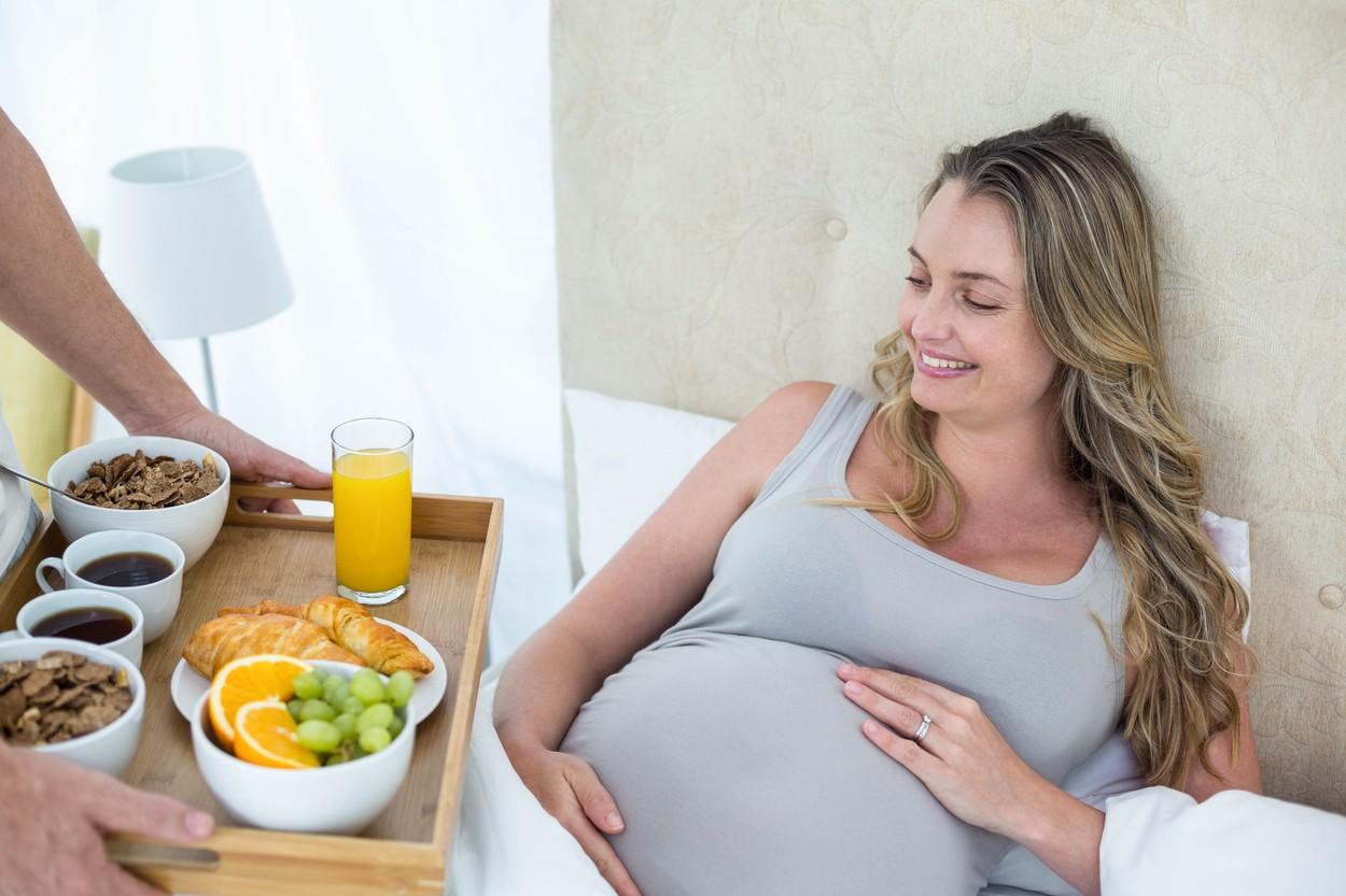 Резултат слика за trudnica jede