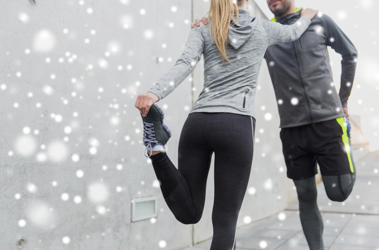 trčanje, zima, par se isteže