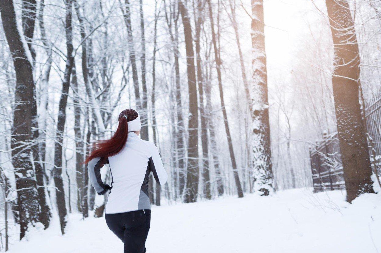 trčanje, zima, šuma, sneg